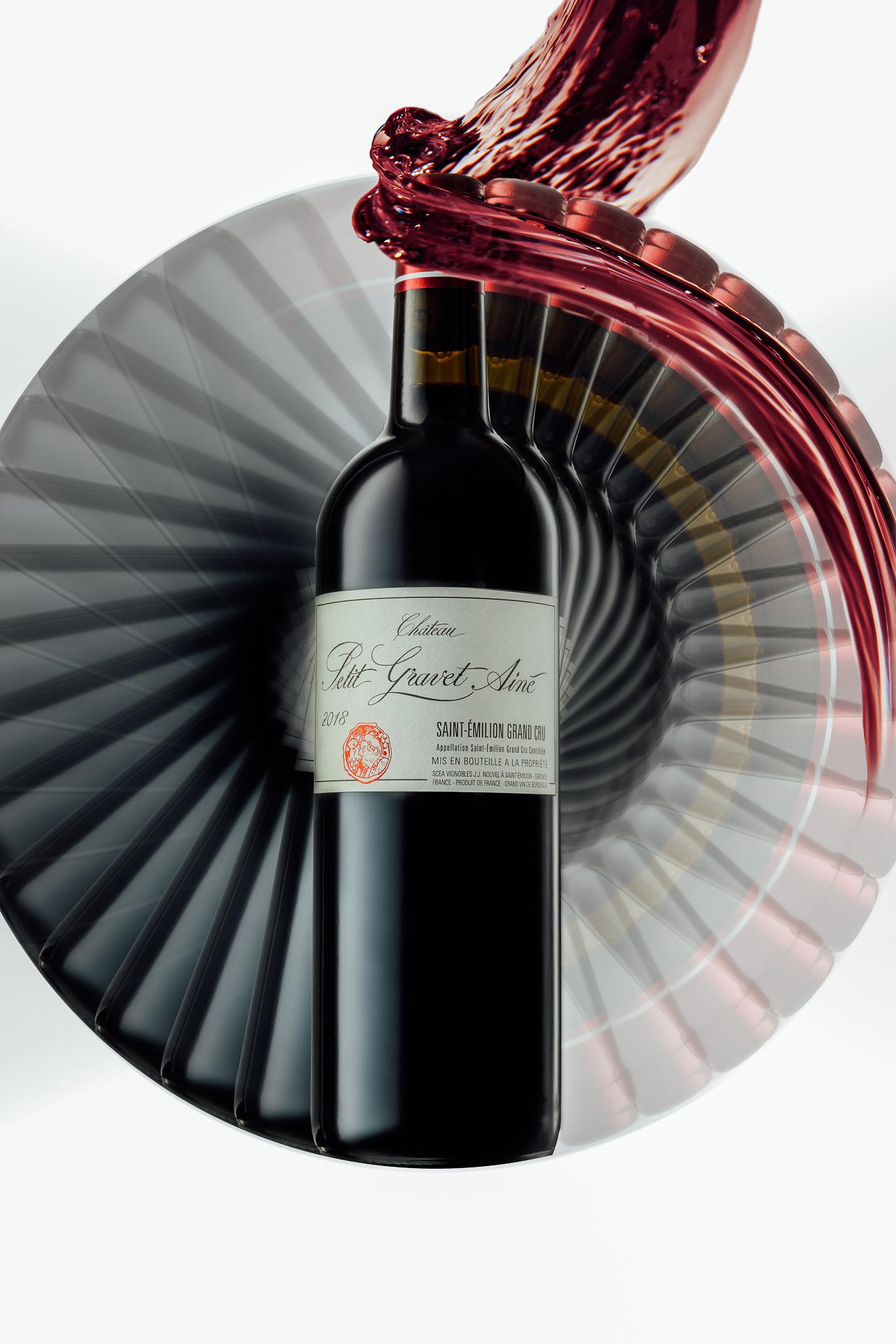 Wijnfles van Petet Gravet Aine